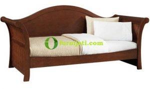 Model kursi kayu panjang minimalis